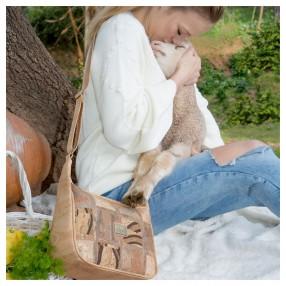Mala de Cruzar Vegan em Cortiça com Padrão Patchwork na Frente
