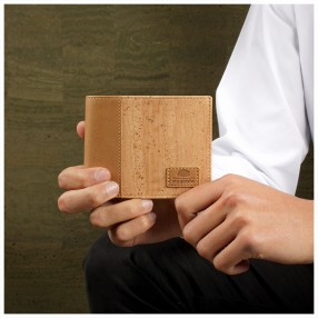 Wallet for Men with polyurethane Interiors and Trims
